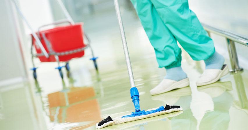 O que devo considerar ao contratar um fornecedor de facilities para hospitais?