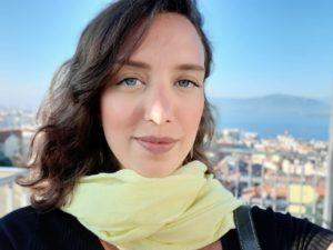 Vencedora do Prêmio ABRAFAC, coordenadora de Facilities do Banco Santander incentiva mulheres a inscrever projetos