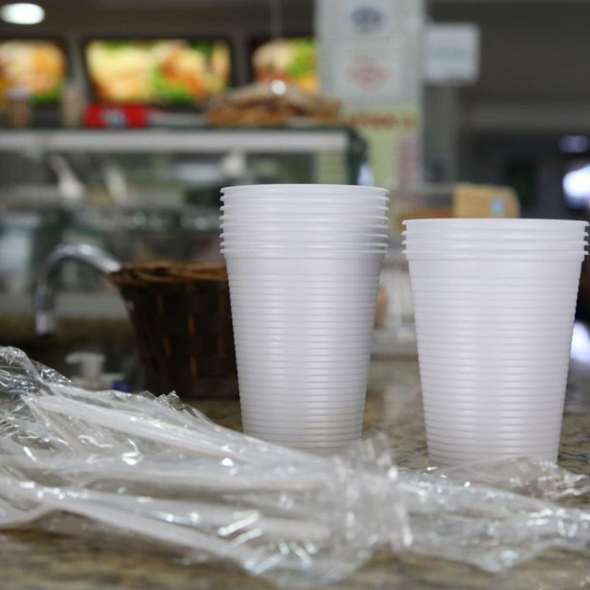 São Paulo proíbe fornecimento de plásticos descartáveis em estabelecimentos comerciais